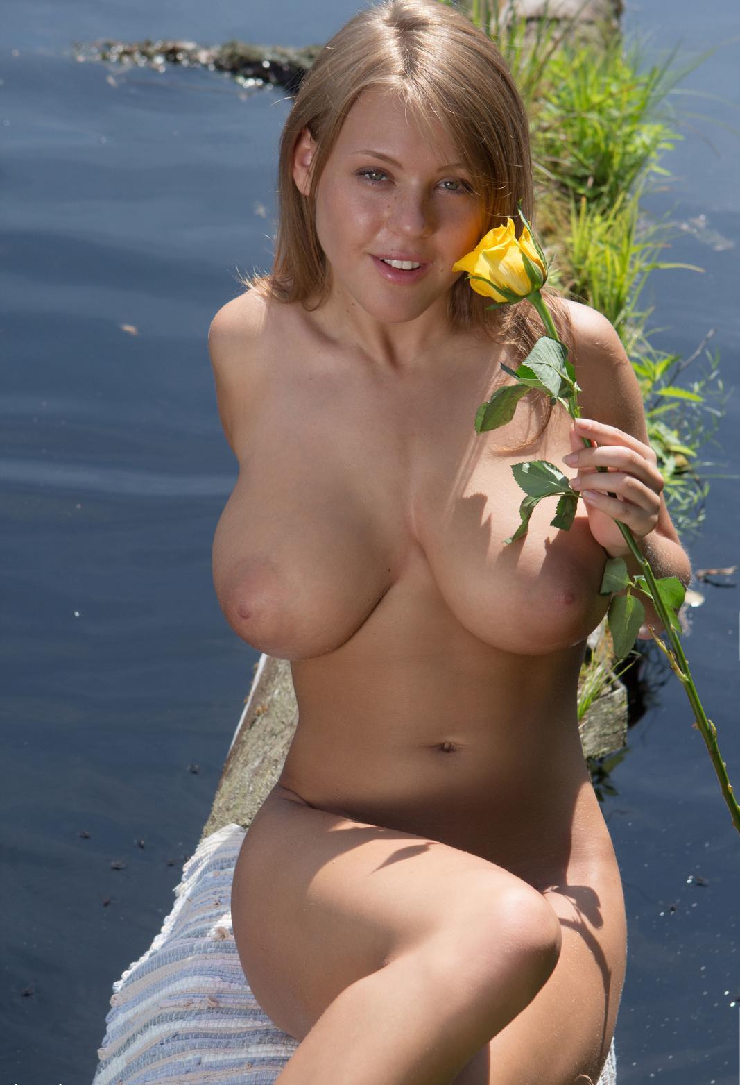 русские натуральные сиськи с большими сиськами ануслингуса