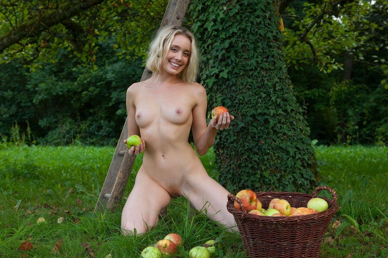 женщины на уборке урожая порнофильмы секса