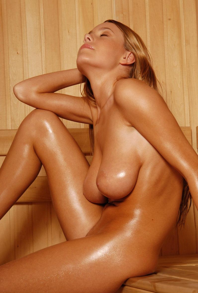 nude-big-tits-sauna