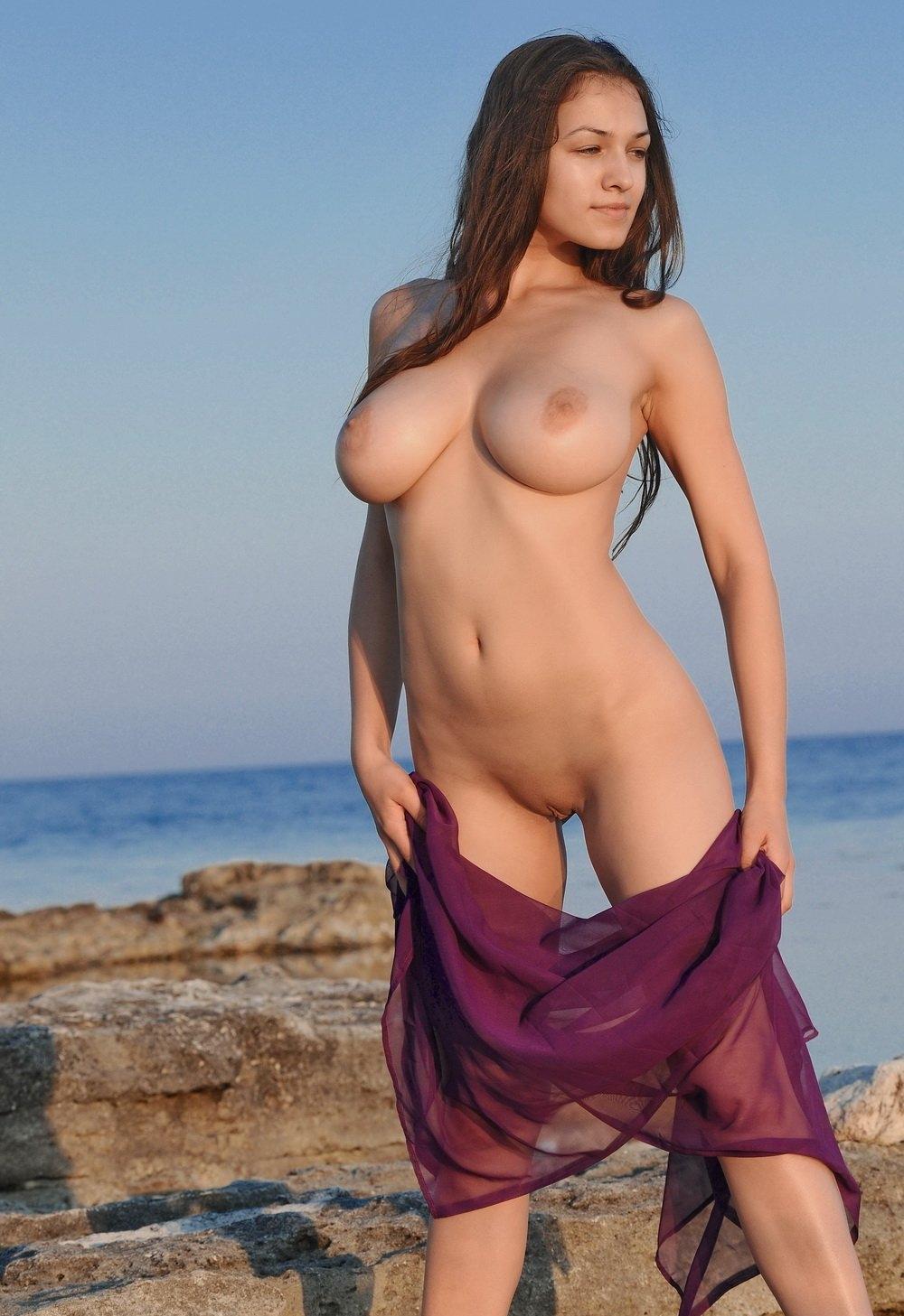 сиськи телок на пляже