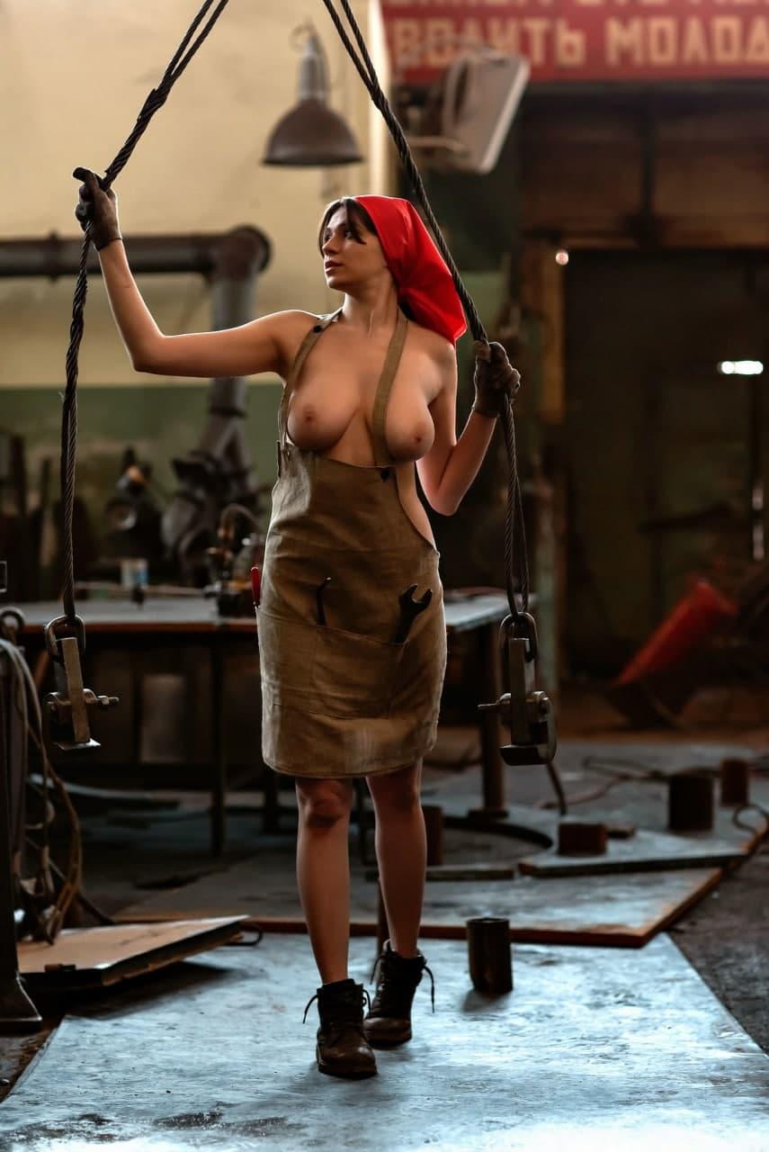 Работница завода Наденька