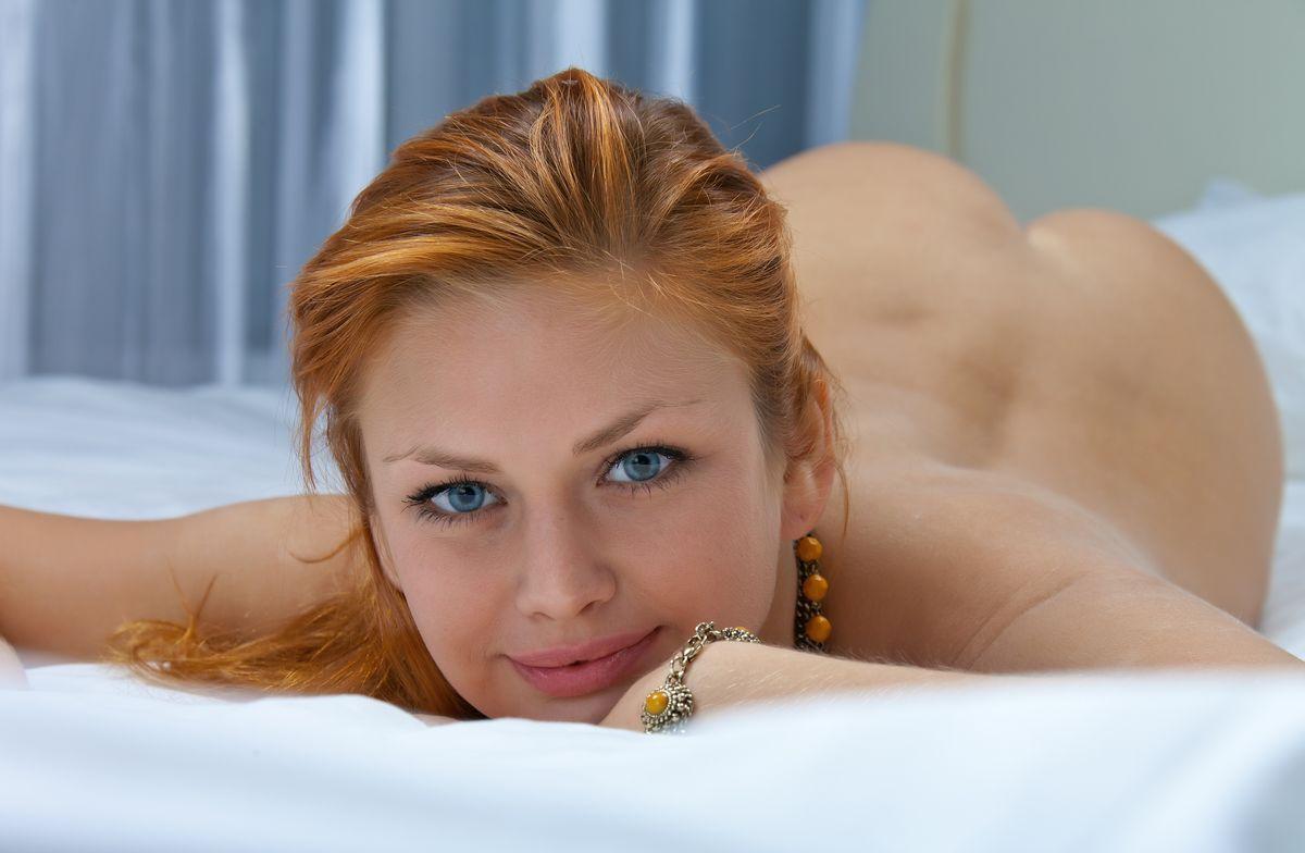 Рыжие бестии с зелеными глазами порно — pic 1