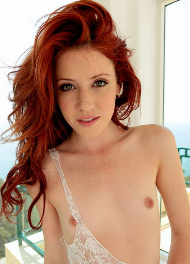 beach-red-head-actresses-nude