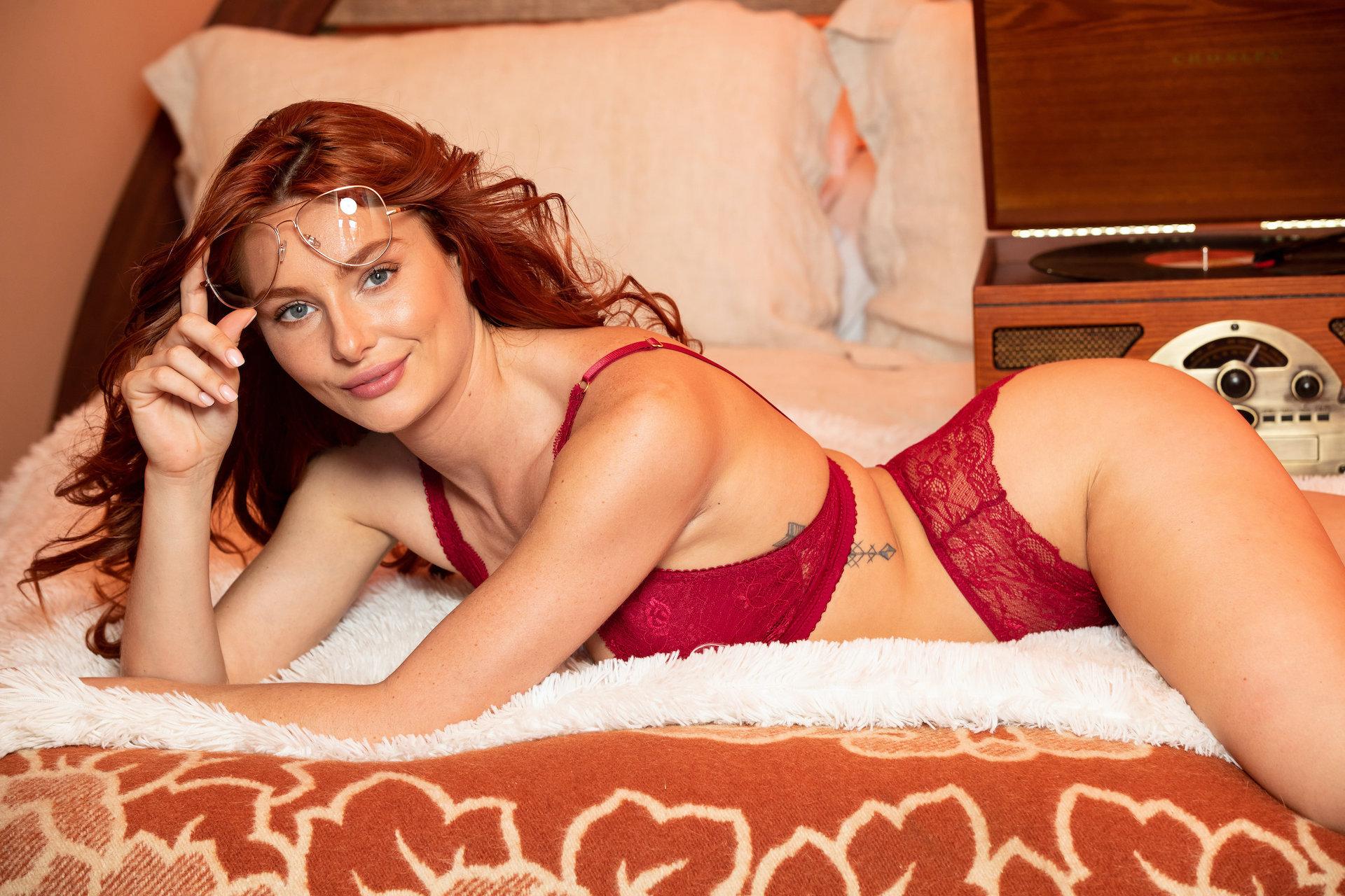 Рыжая красотка Lacy