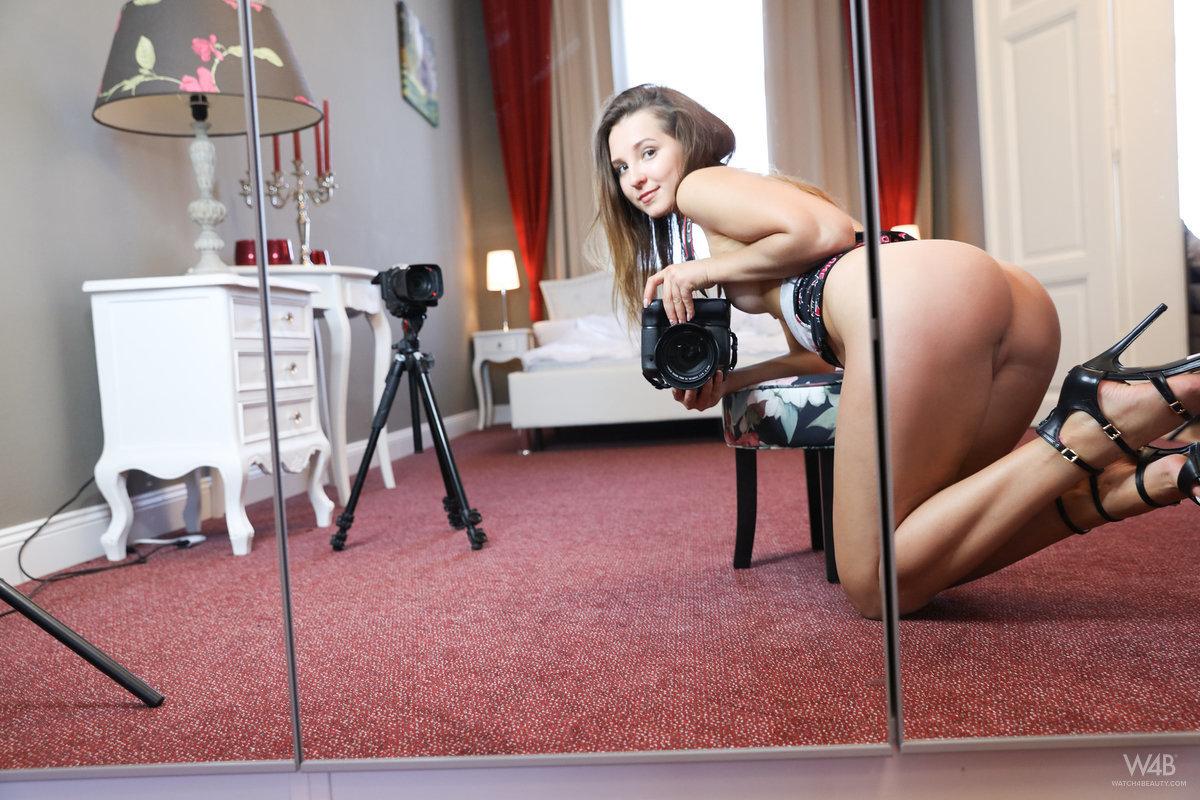 Фотограф и ее горячие селфи