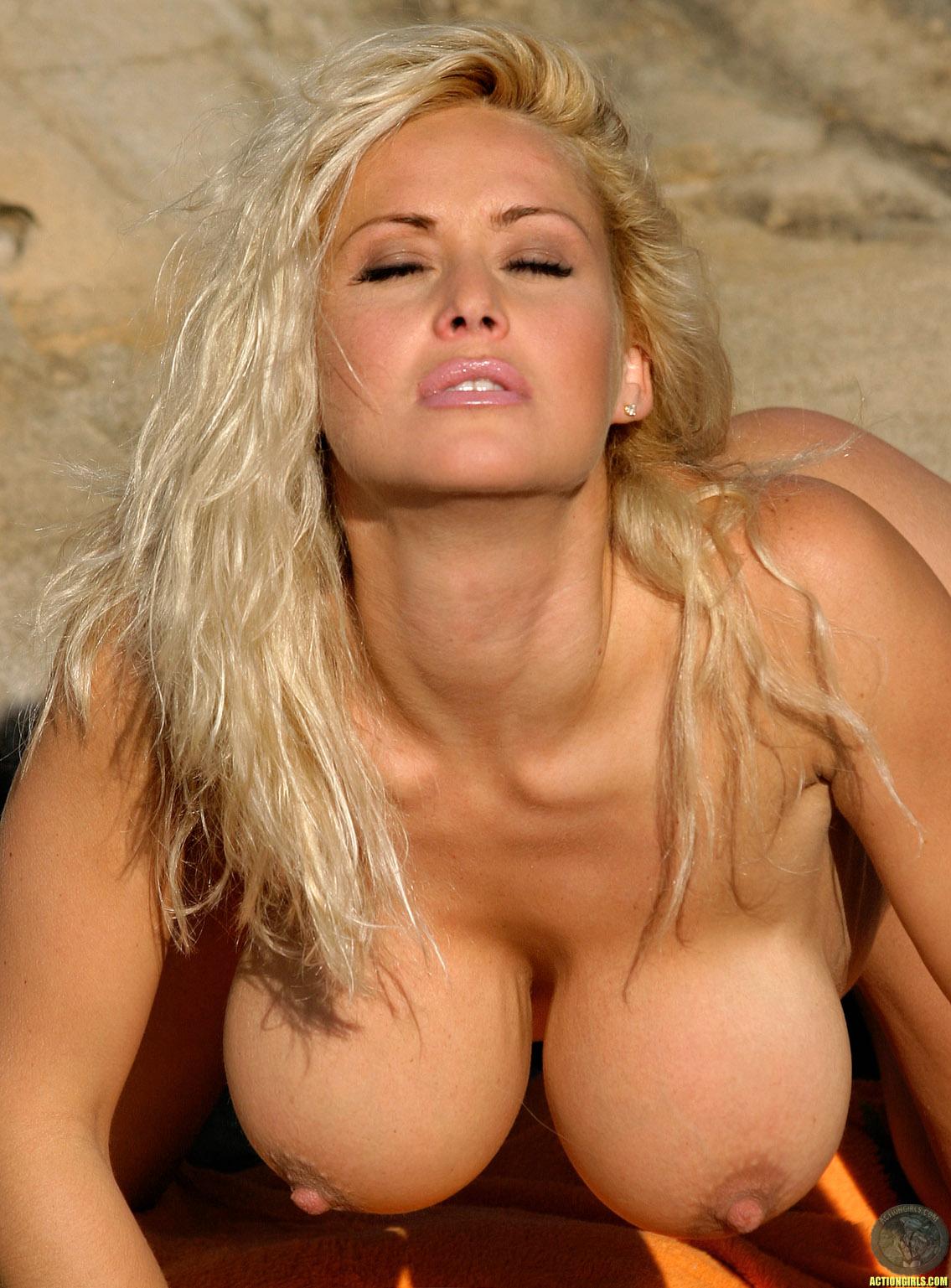 Огромные сиськи блондинок голые фото