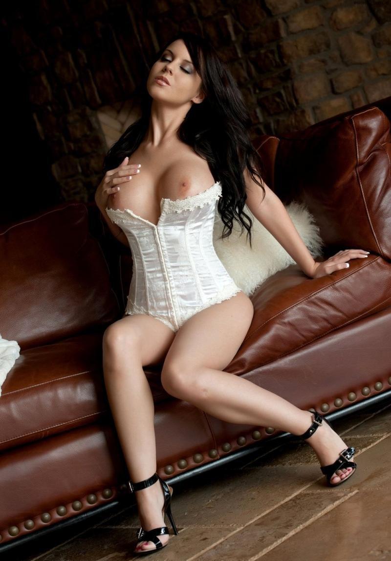 seks-bolshie-siski-korset-foto-novie-porno-filmi