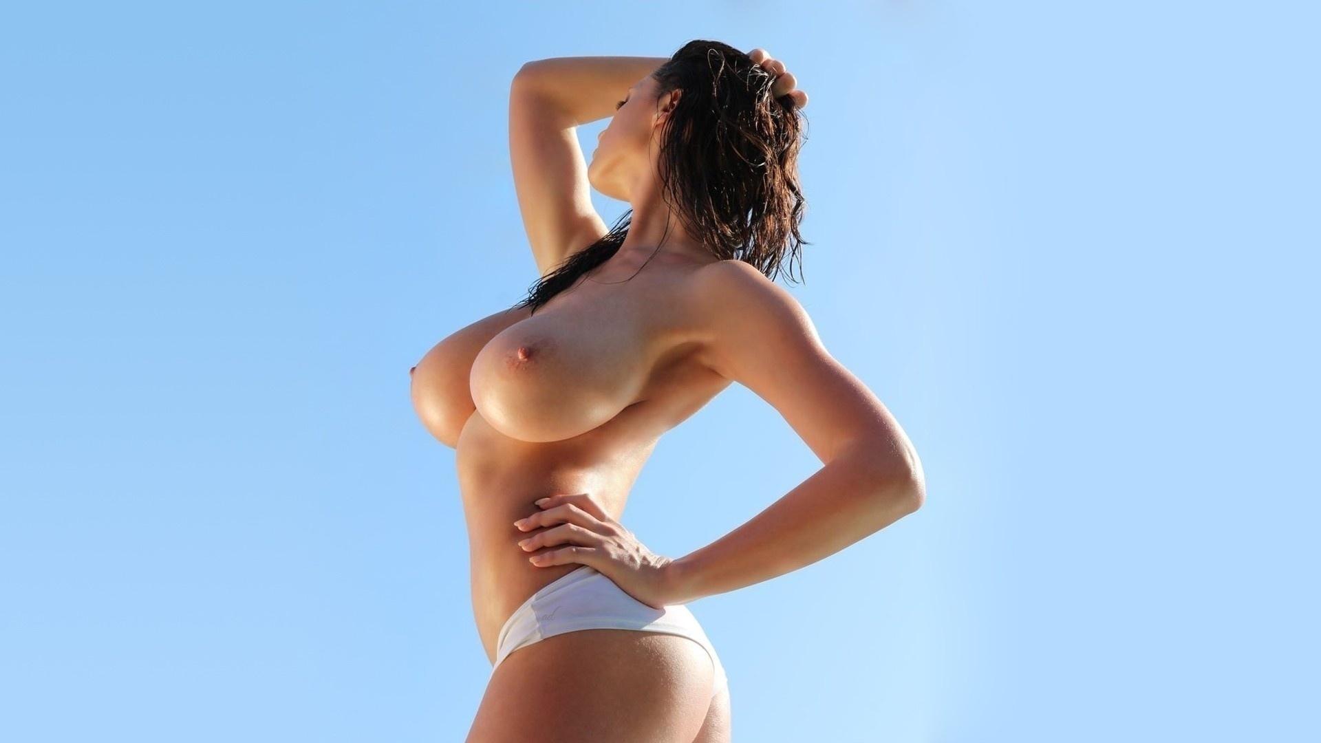 голые фигурки девушек с большой грудью и сексуальной попкой