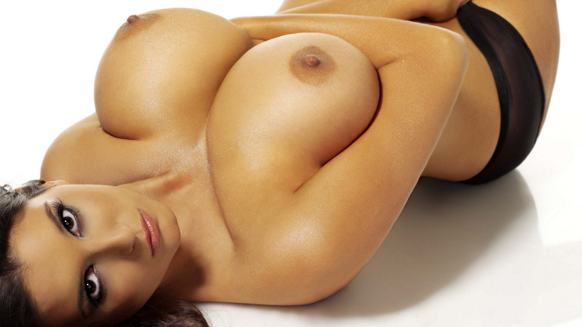 nude-tite-boobs-girls
