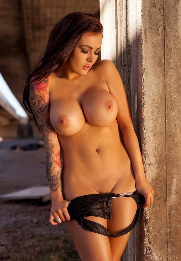 young-charlie-busty-tattoos-girls