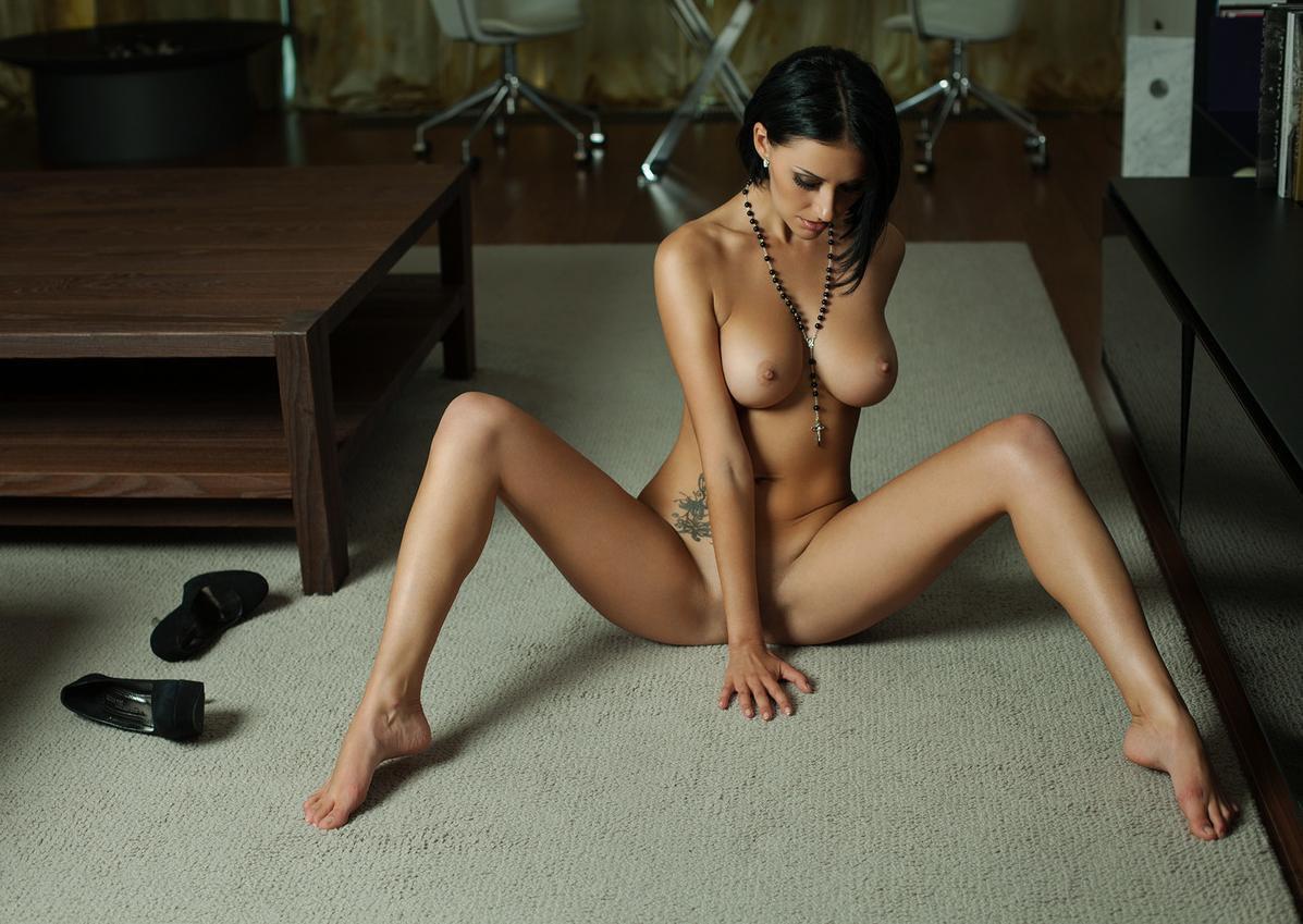 Julie ganzo naked girls — pic 15