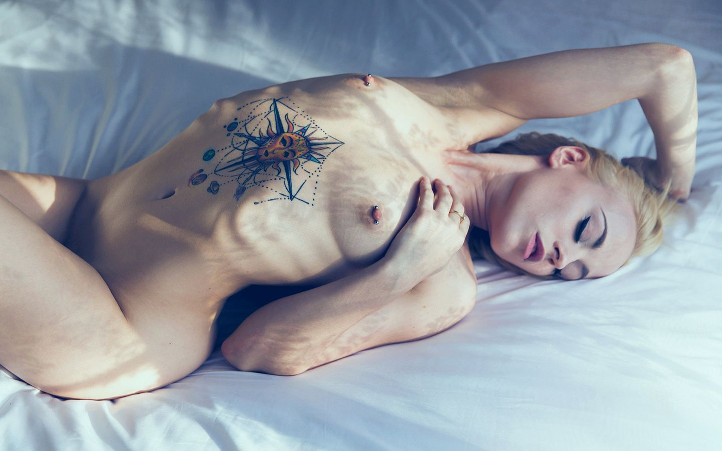 Naked girl with butterfly tattoo — img 4