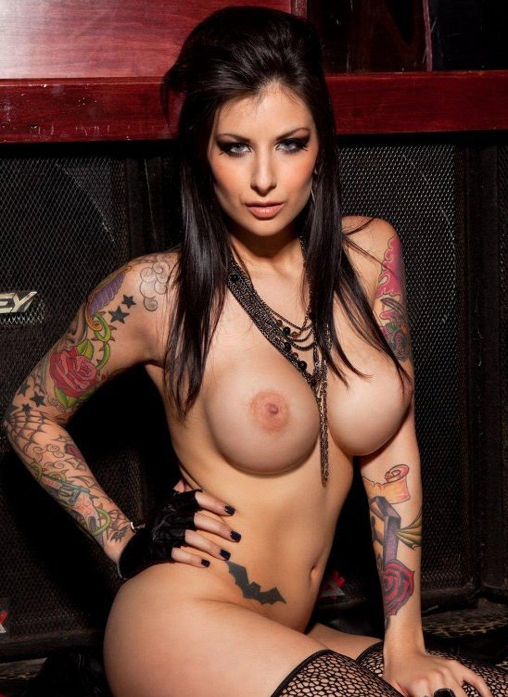 Татуировка вокруг ануса порновидео блондиночка