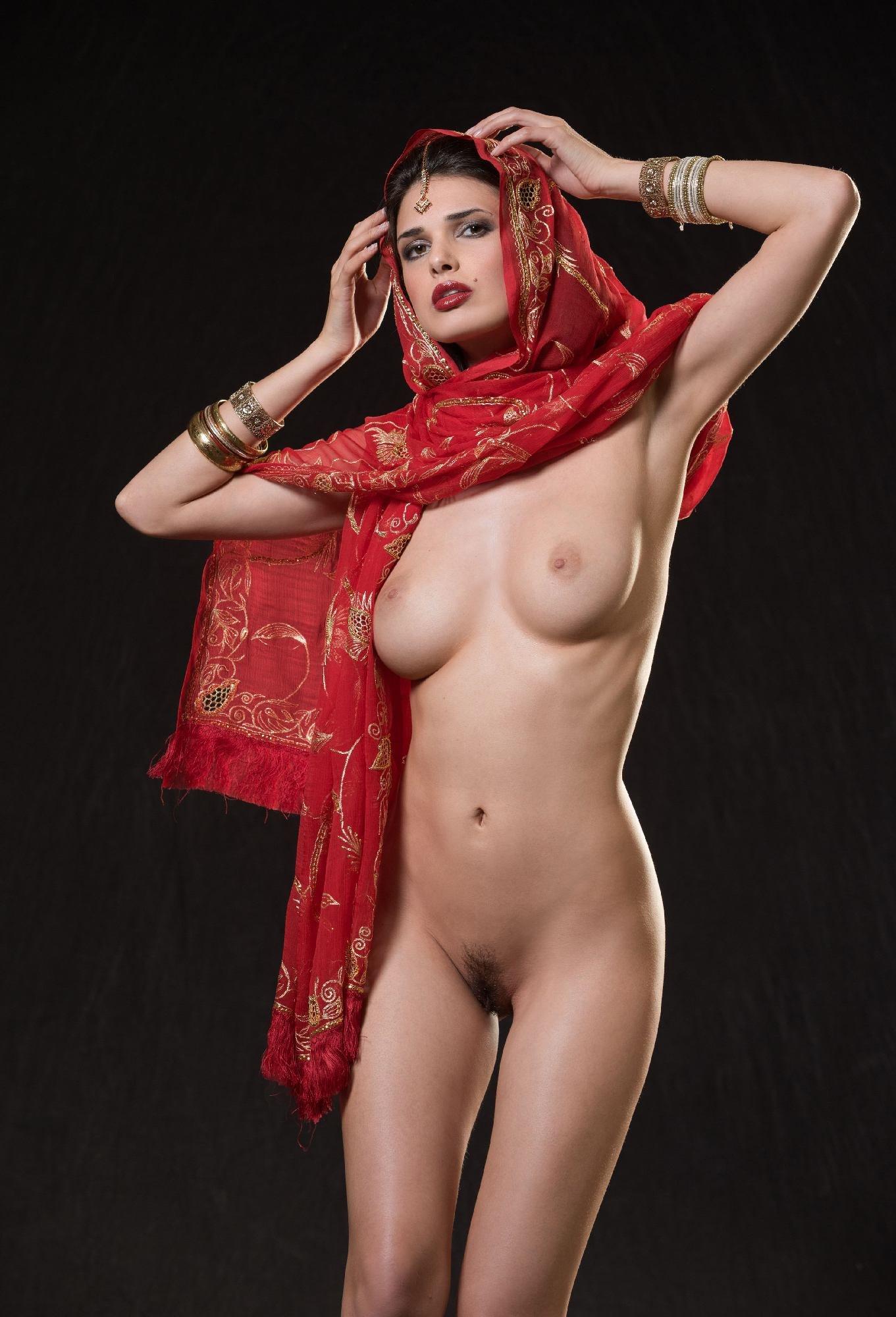 indiyskie-eroticheskie-devushki