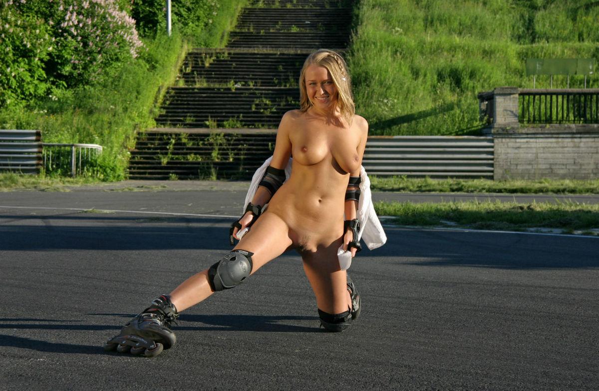 nude-roller-girl-bikini-girl-pics-post