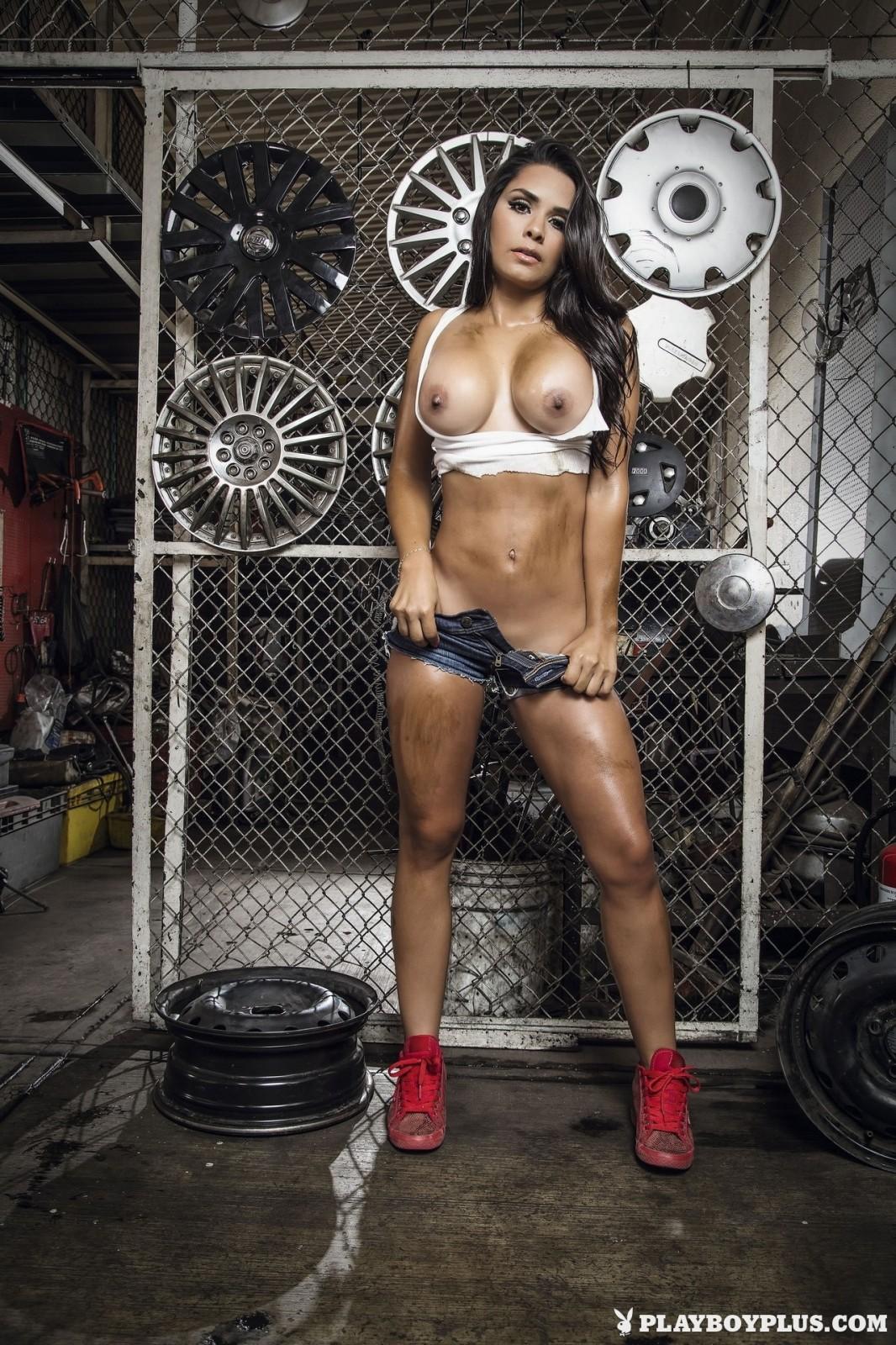 В гараже