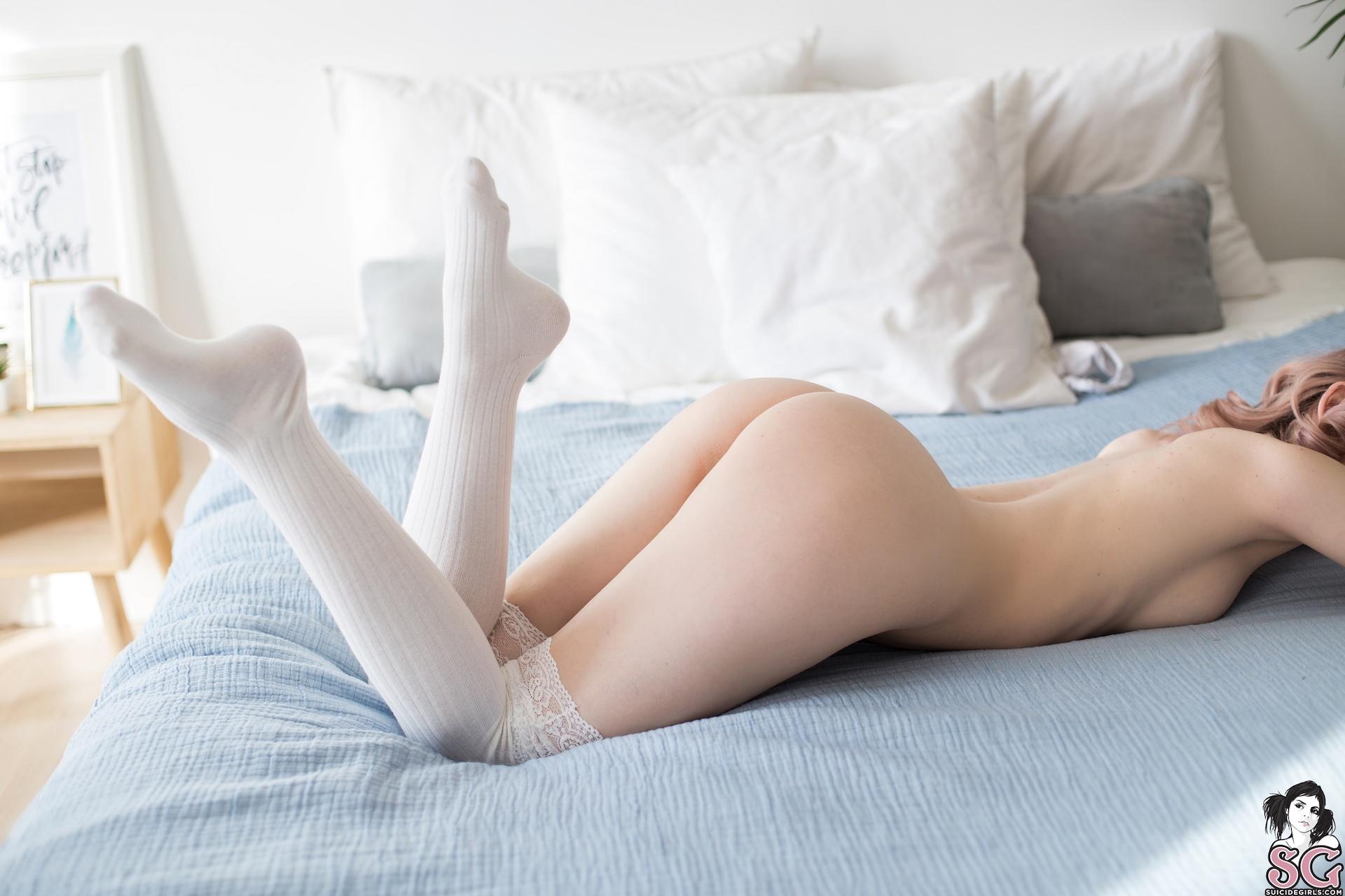 Белые чулки