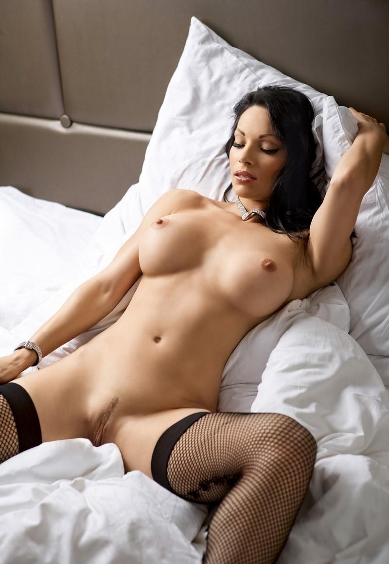 Hot Brunette Girls Naked