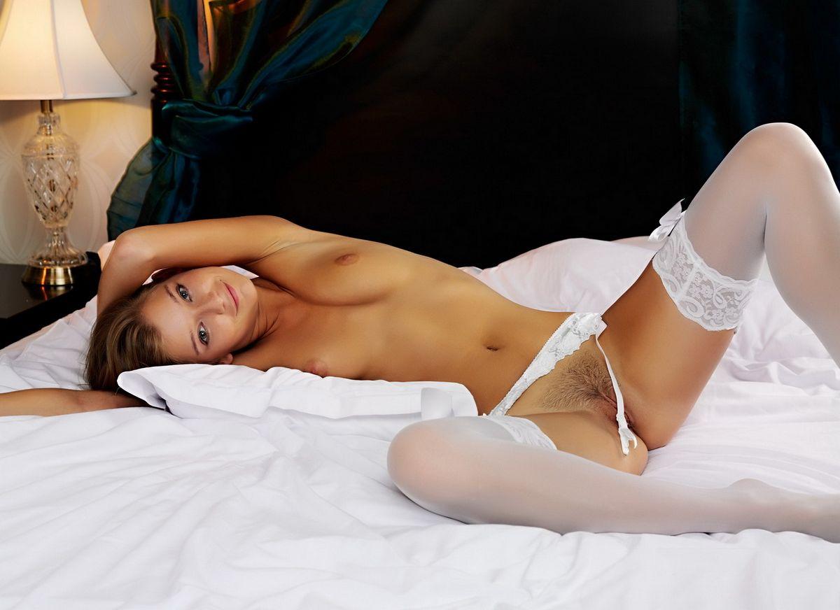 Фото голых в белье, Эротическое белье на голых девушках - фото 24 фотография