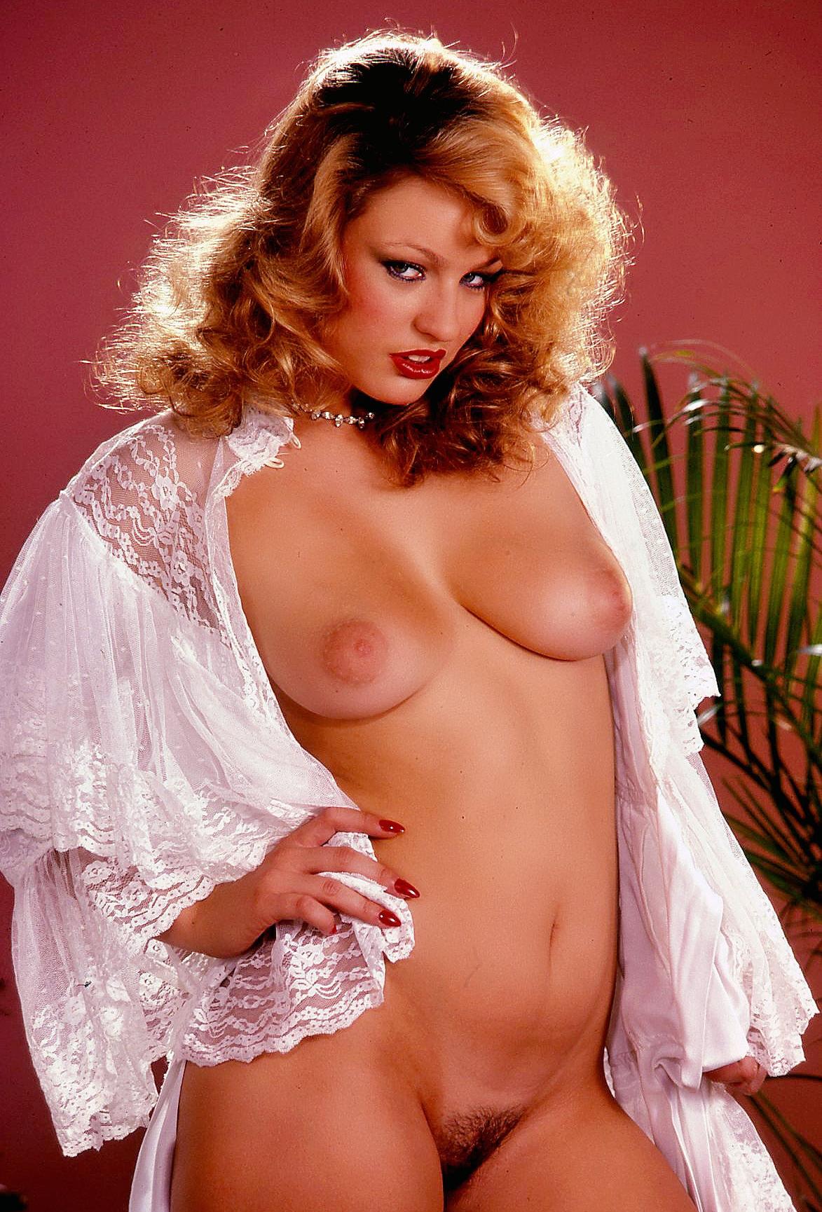 Секс голые ретро красотки фото фото врач
