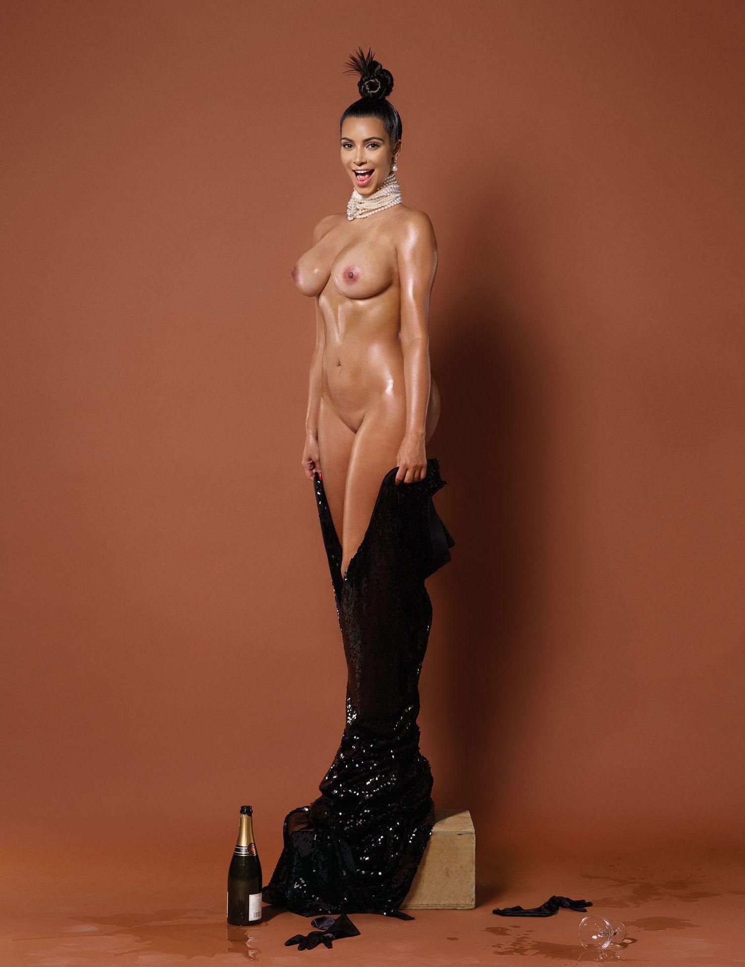 Naked pics of kim kardashian — photo 8