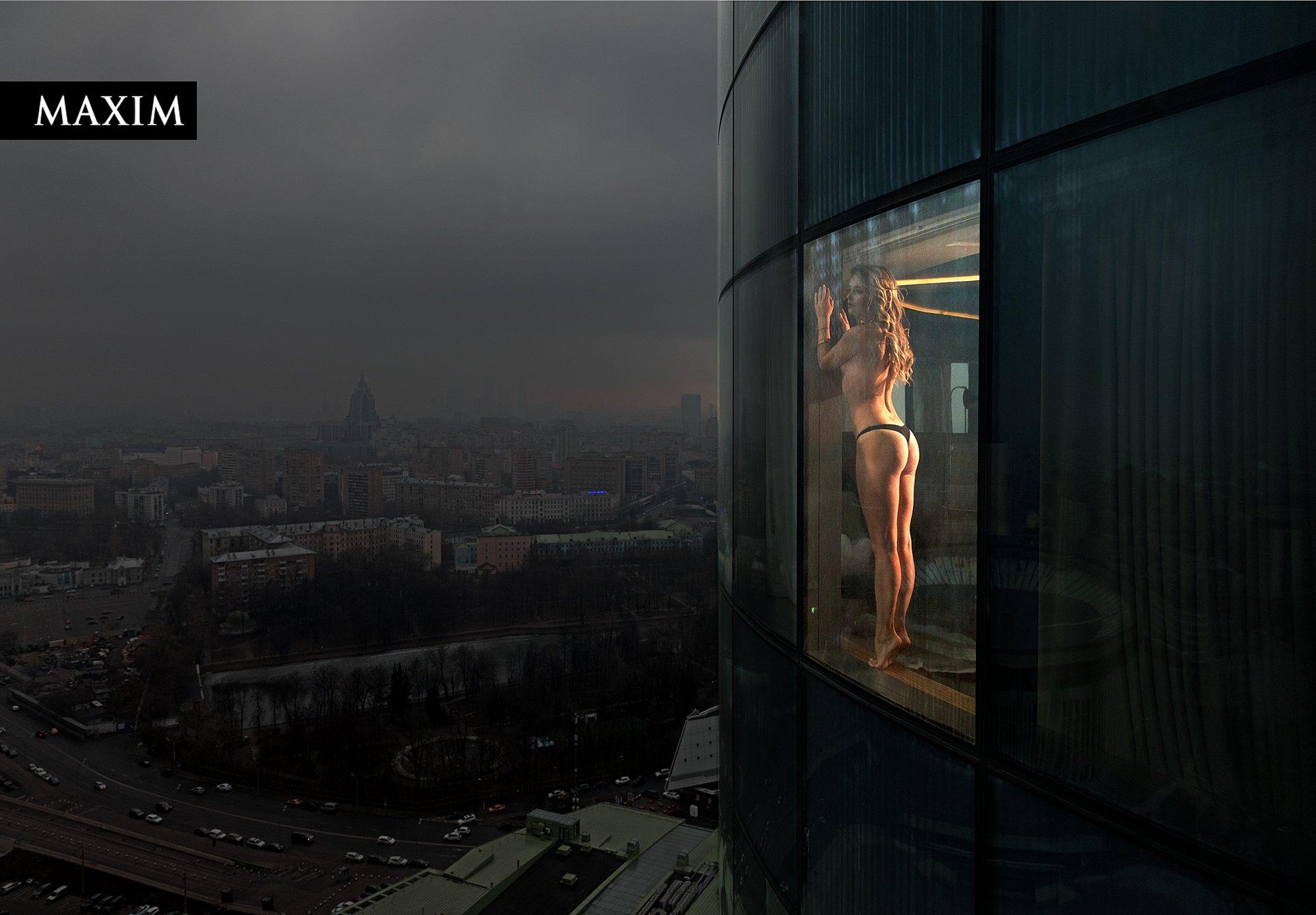 Красивая фигурка Анны Михайловской