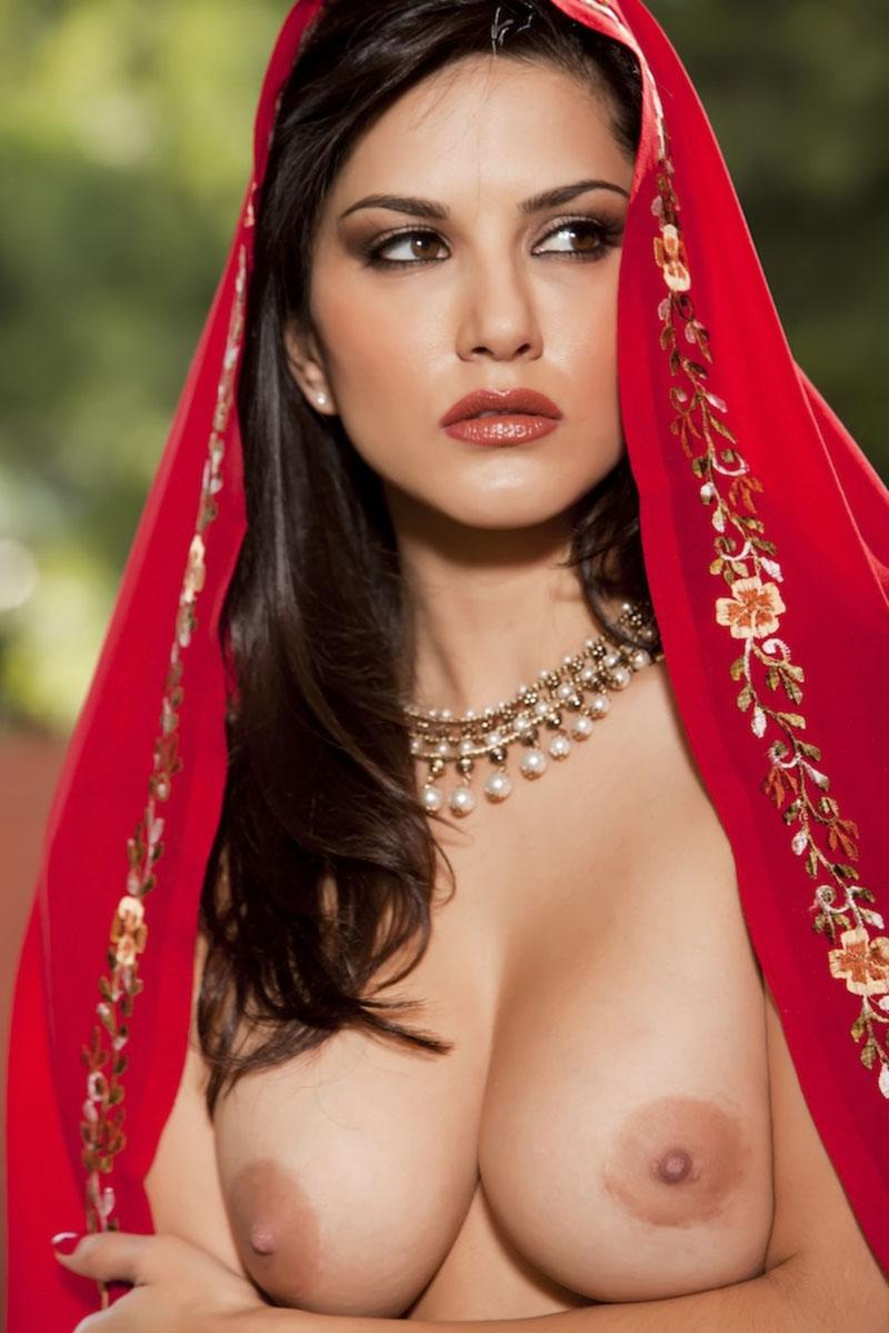 Смотреть сиськи индийский девушки