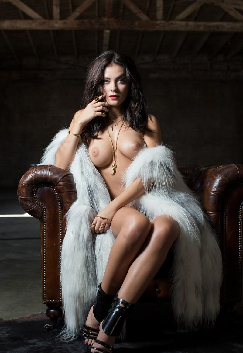 Эротическое фото русской гламурной сучки