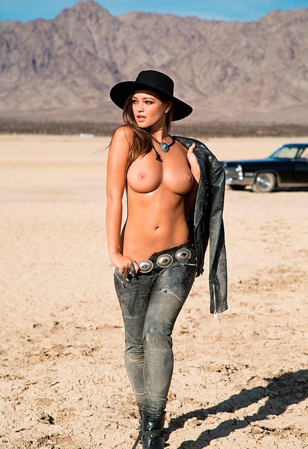 naked-mile-eastern-girl